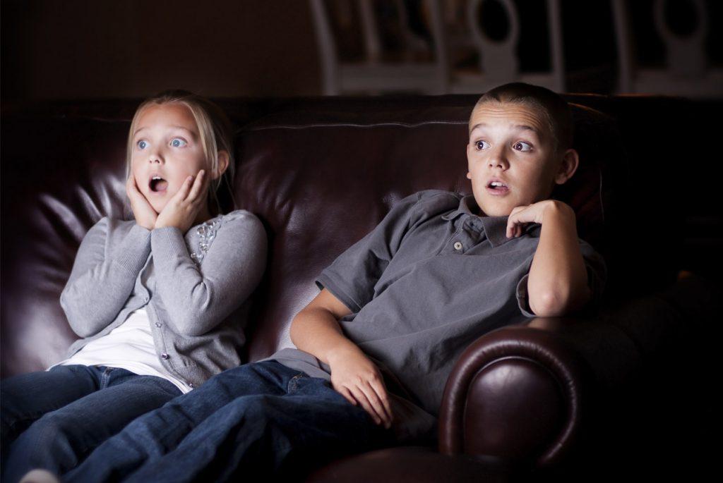 Монтессори-ребёнок и телевизор: как ограничить просмотр «вредных» программ