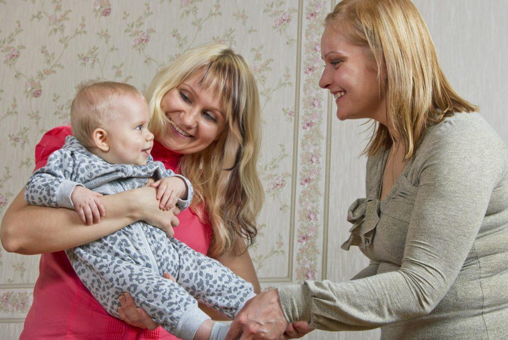 Как правильно маме уходить, чтобы ребёнок не устраивал истерику