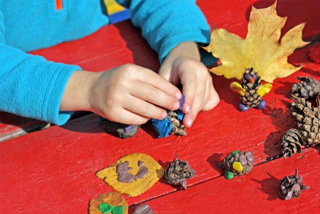 С какого возраста можно давать ребёнку природные материалы?