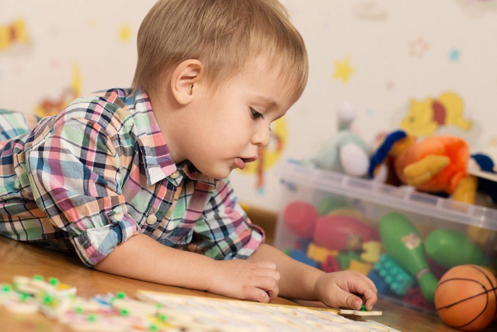 Мешает ли фоновый шум ребёнку концентрироваться?