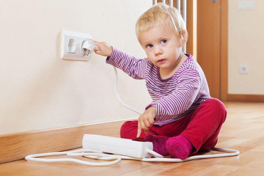 7 правил безопасного дома для малыша