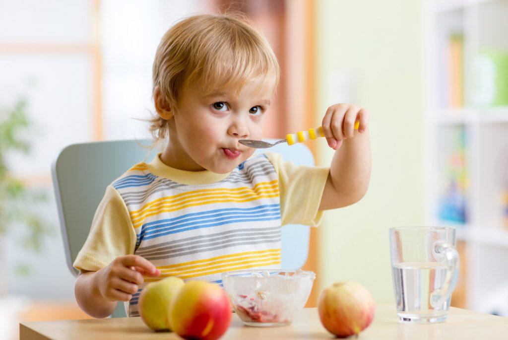 Как научить ребёнка съедать всё?
