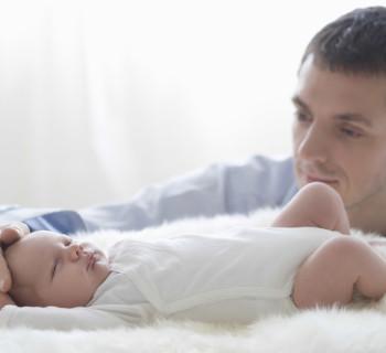 Роль отца в первые месяцы жизни