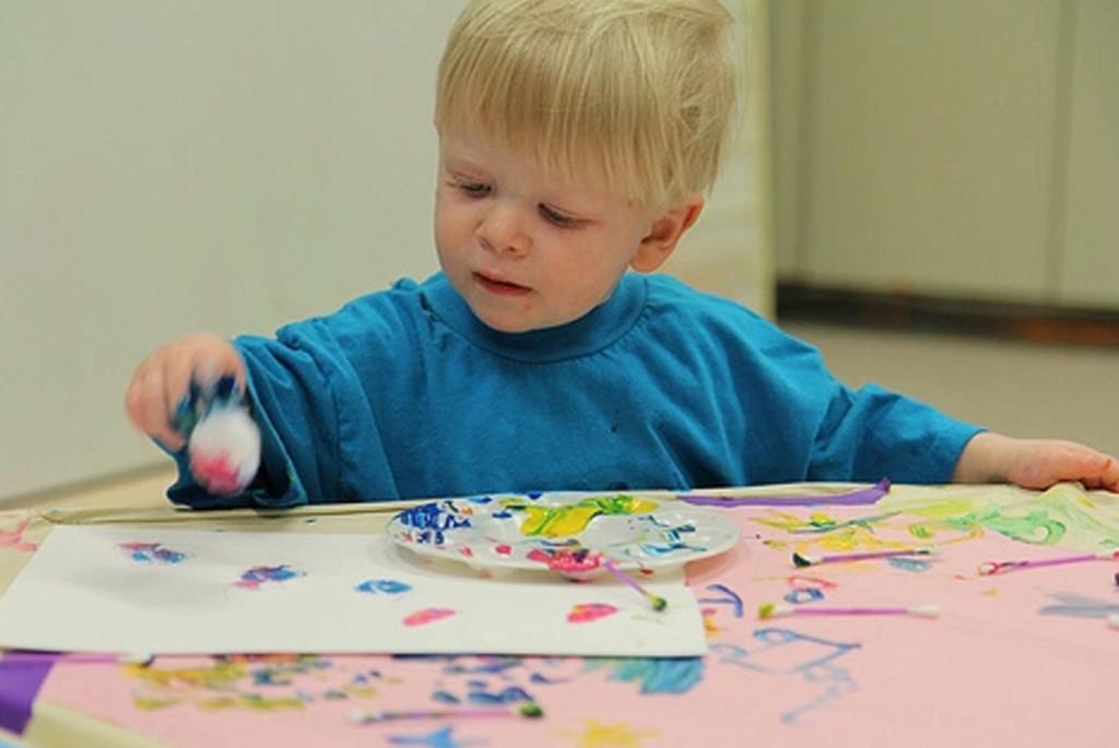 Занятия творчеством с детьми до 3-х лет
