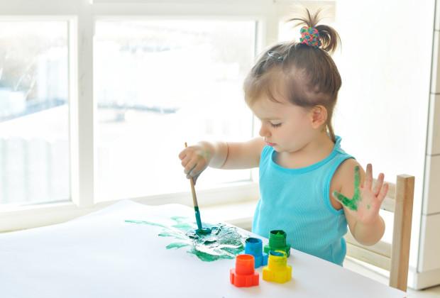не нужно учить ребёнка рисовать