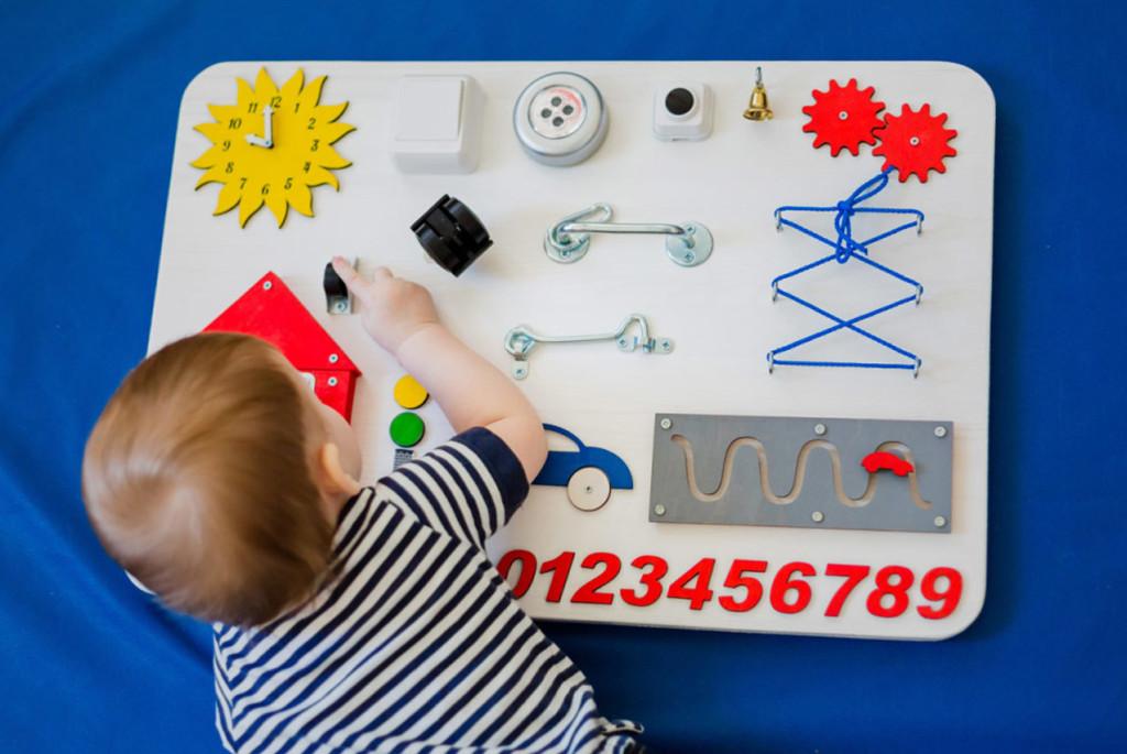 Бизиборды для детей: да или нет