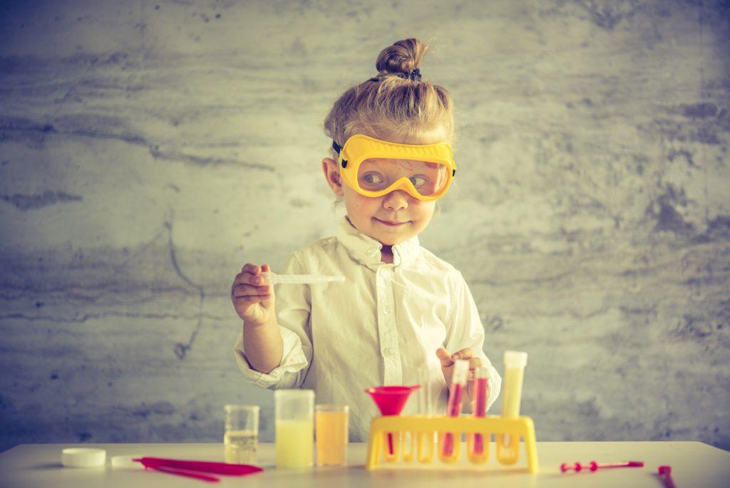 как объяснить ребёнку химию