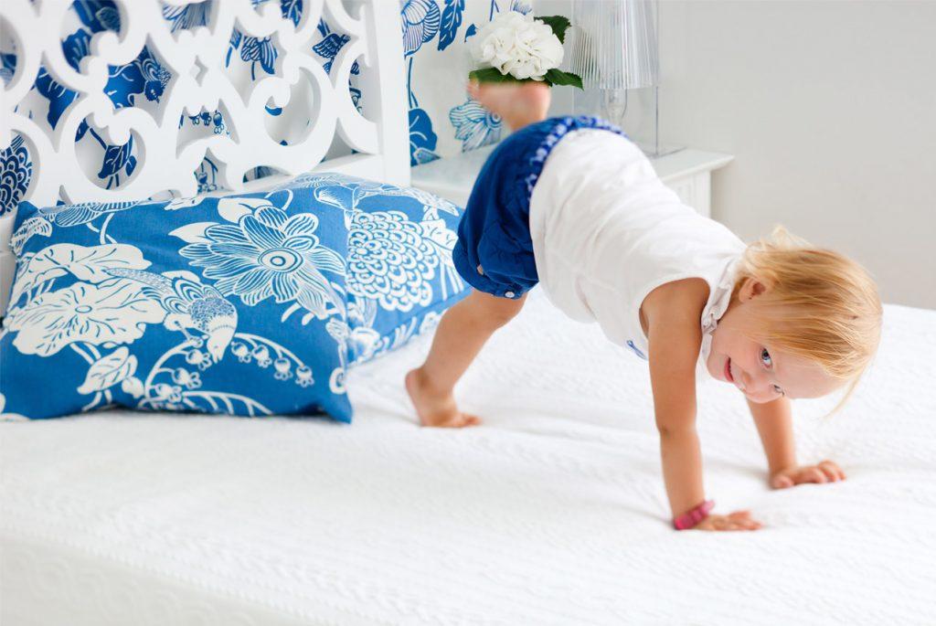 Что делать, если ребёнок не может вовремя заснуть
