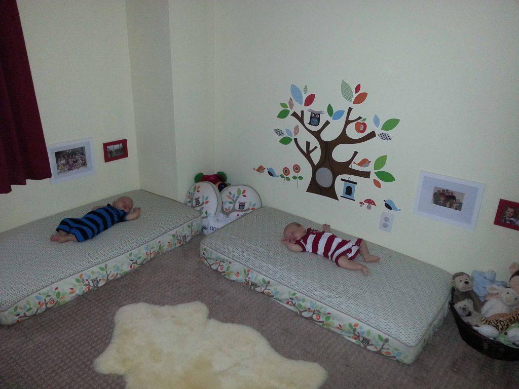 как обустроить детскую спальню для двоих малышей