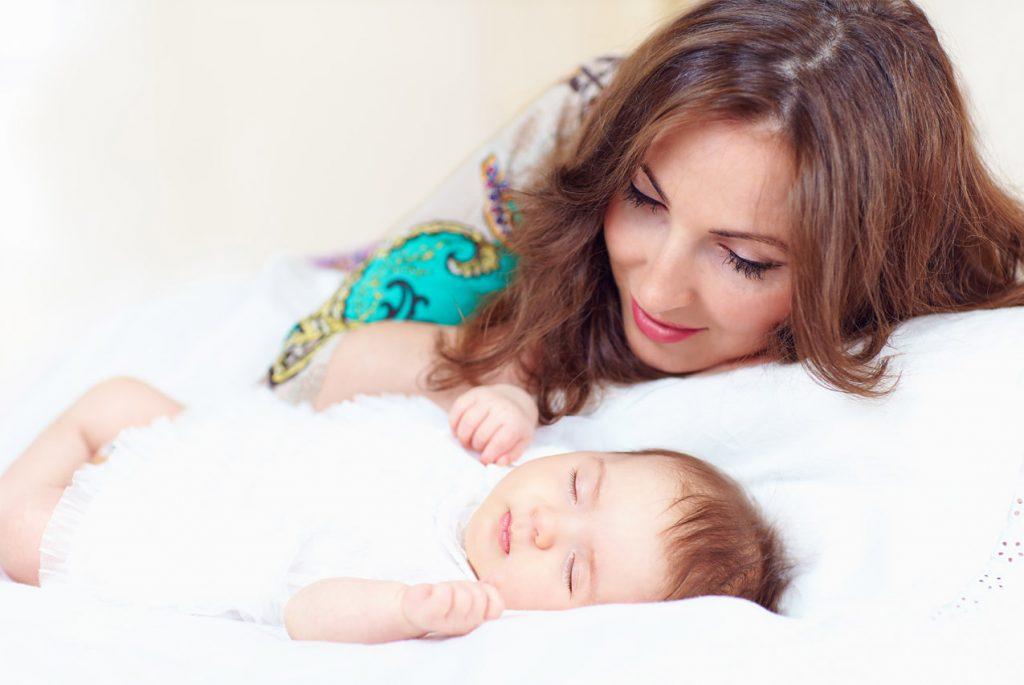 Как приучить ребёнка спать отдельно от родителей?