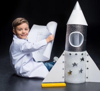 Podelki-ko-Dnyu-kosmonavtiki