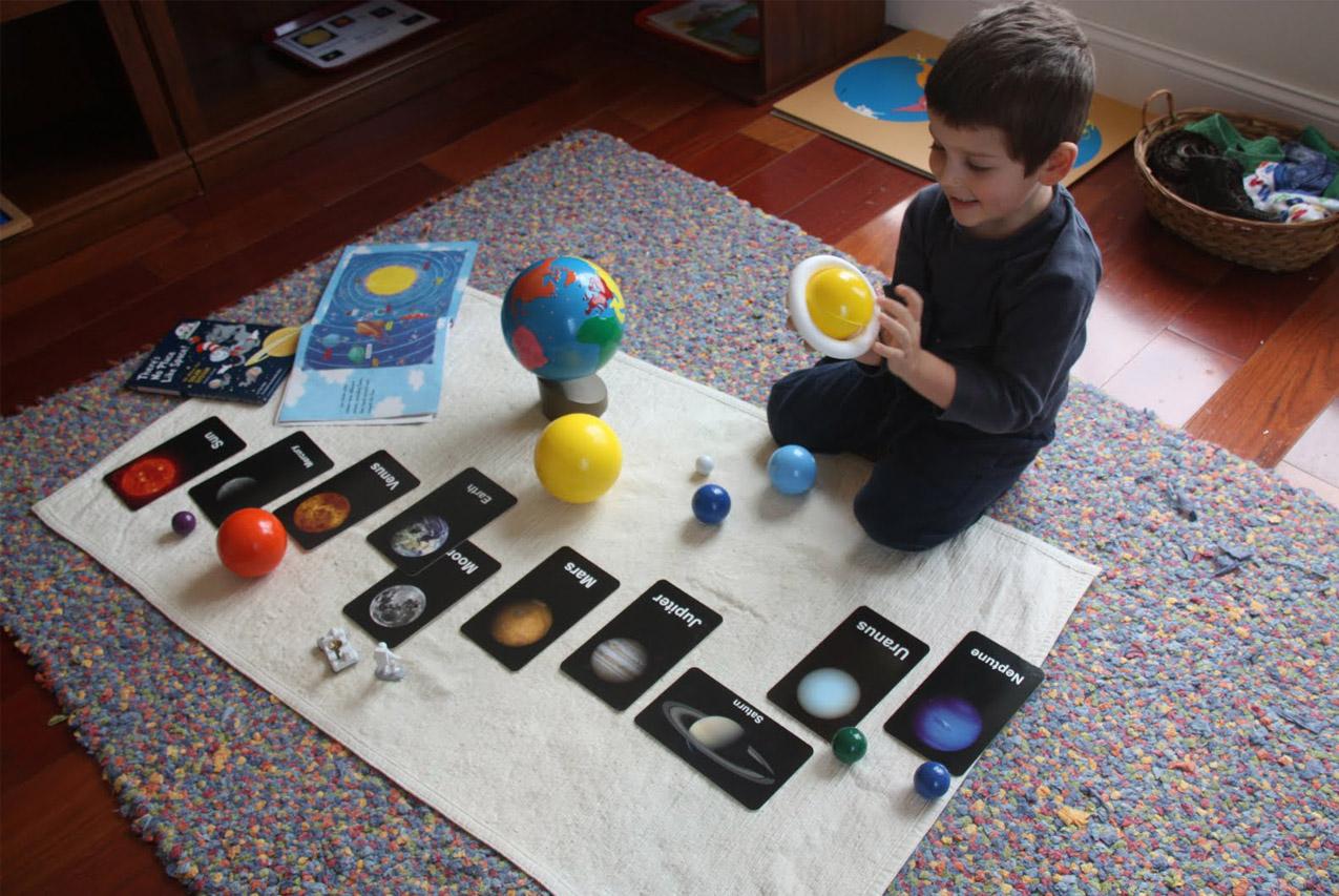 Поделки на тему космоса для детей ко Дню космонавтики