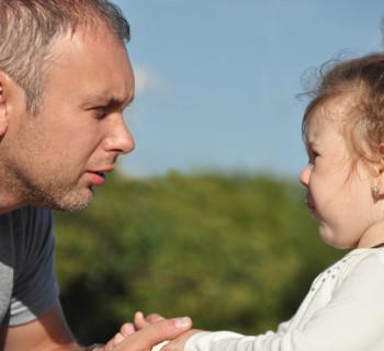 почему ребёнок ябедничает