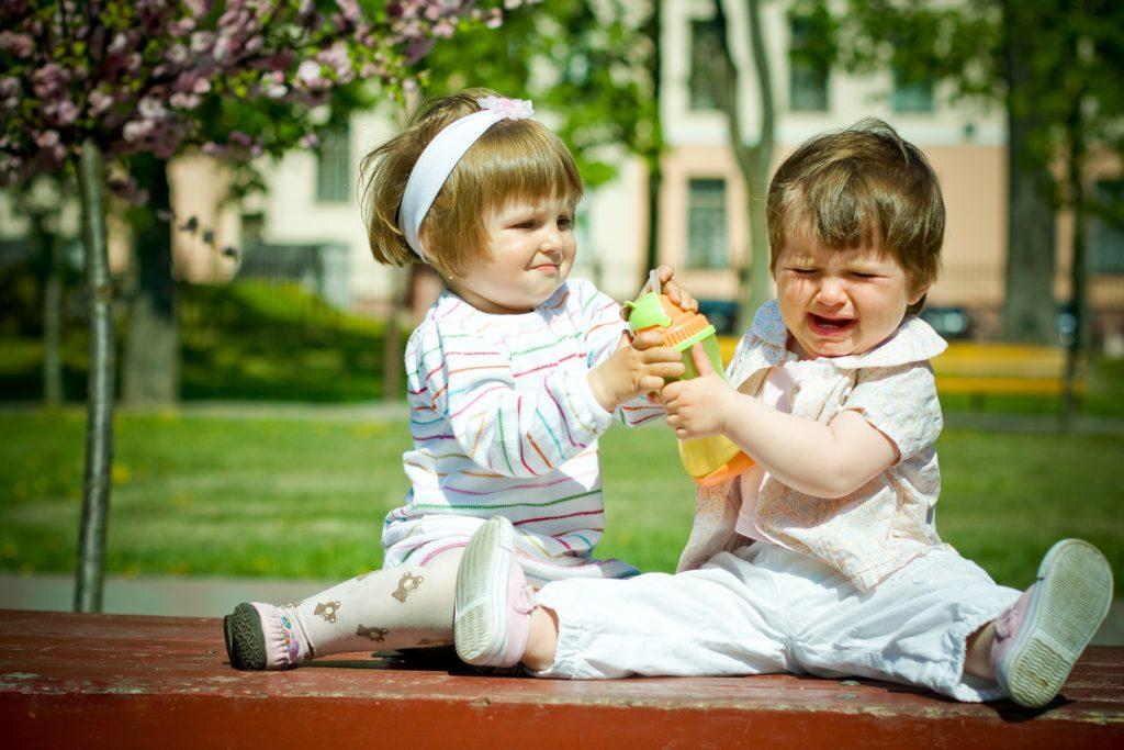 girls-fighting-over-juice