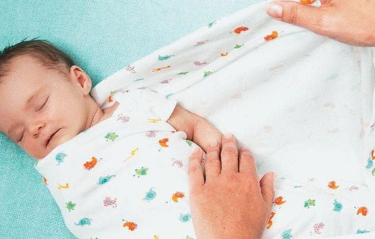 нужно ли пеленать новорождённого
