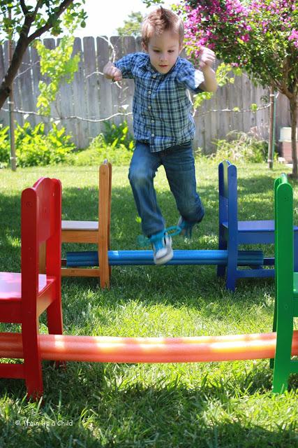 подвижные игры для детей 2 3 лет на улице