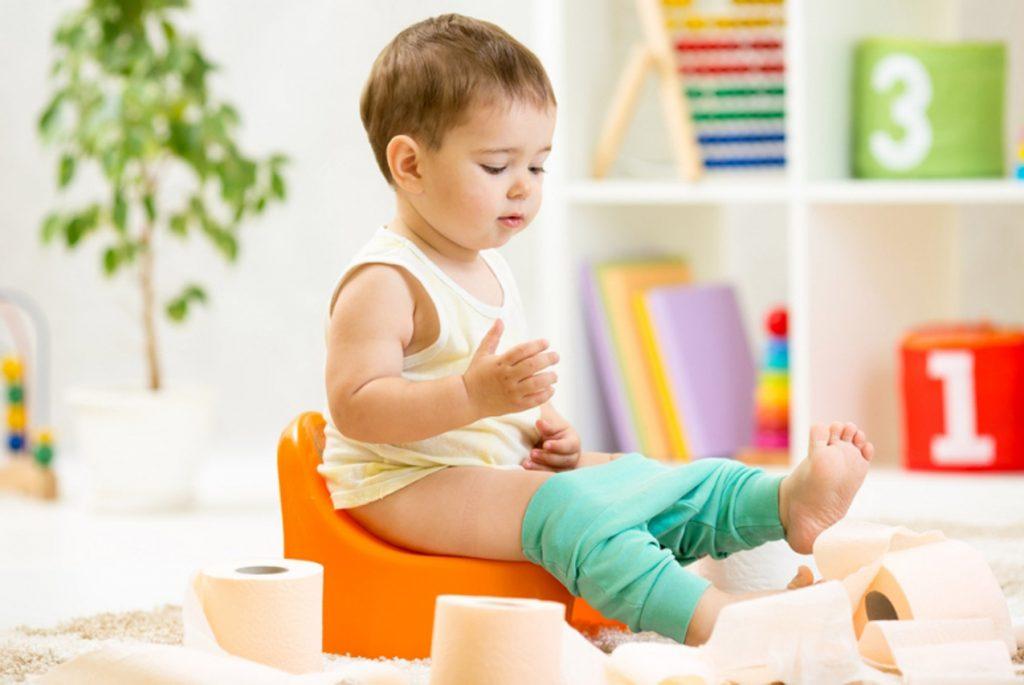 Ребёнок перестал ходить на горшок: что делать?