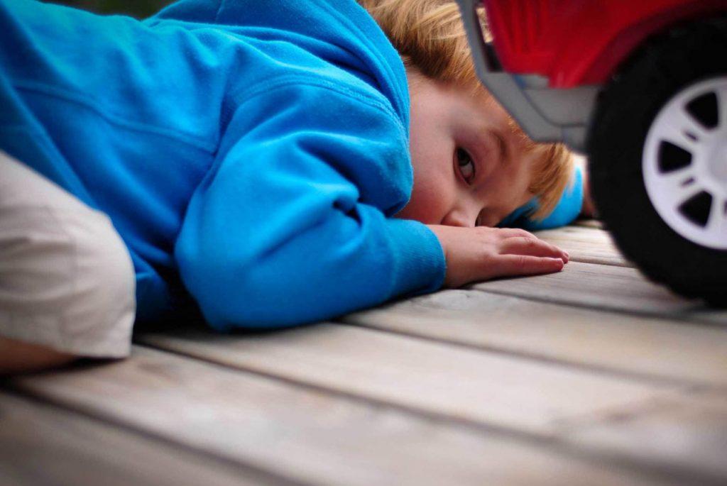Как выявить ранние признаки аутизма у младенцев и детей младшего возраста