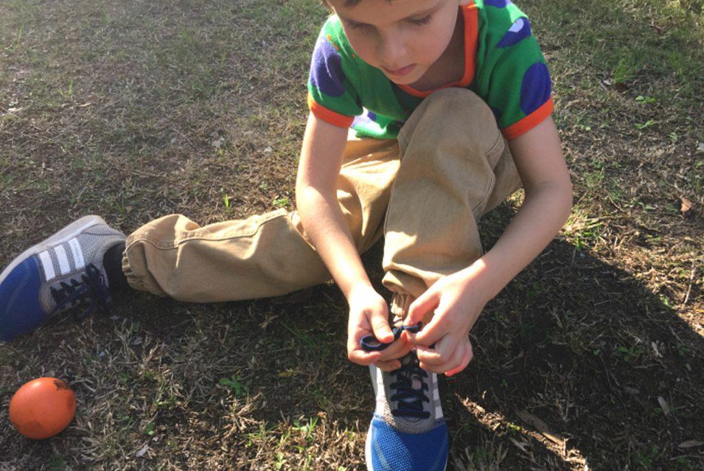 Развитие самостоятельности: нужно ли помогать детям