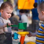 Как вести себя на детской площадке