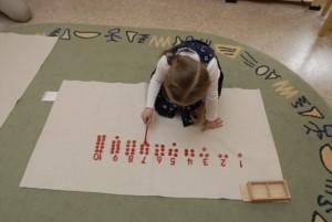 чипсы и числа Монтессори занятия для 4 лет