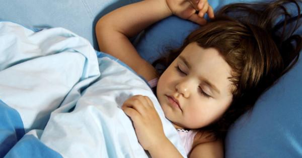 Как научить ребёнка засыпать самому