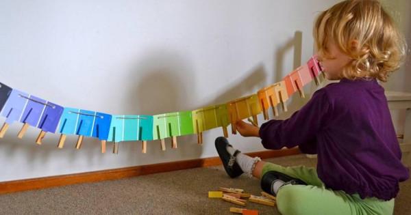 Как выучить цвета с ребёнком от рождения до четырёх лет