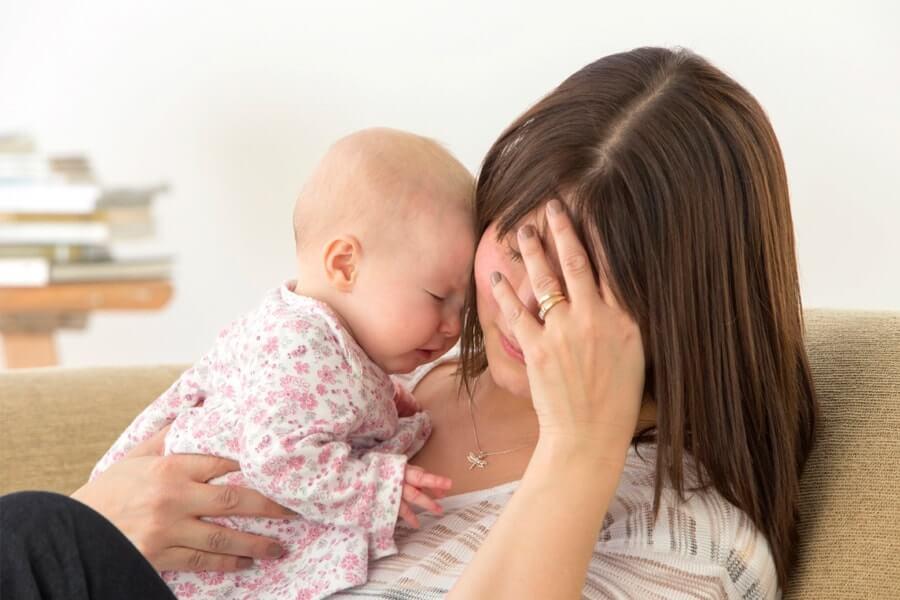 как маме справиться с послеродовой депрессией