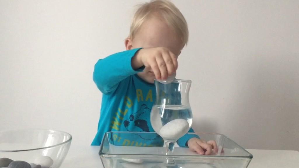 Как поднять уровень воды — опыты для детей