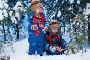 чем занять детей на зимней прогулке