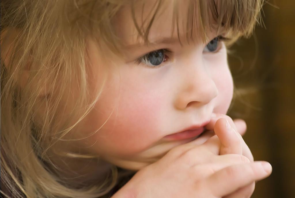 Робкий ребёнок: больше, чем просто застенчивый