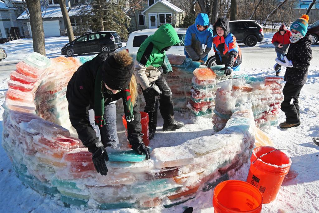 Зимние игры и занятия насвежем воздухе дляначальной школы Монтессори