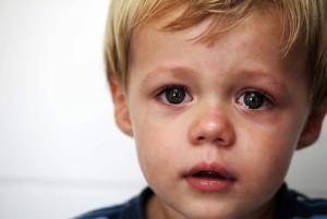 Как воспитателю успокоить плачущих детей