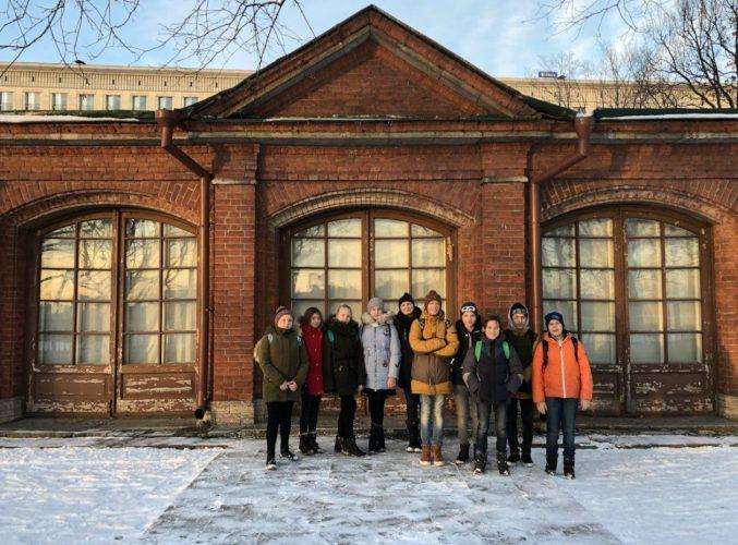 В декабре 2017 года ученики Монтессори-школы Михайловой побывали в Домике Петра