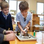 Как сделать модель вулкана и другие опыты со школьниками