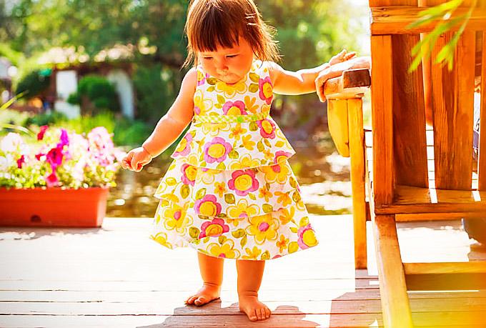 Девочка-ходит