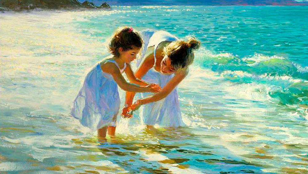 мама с ребёнком на море