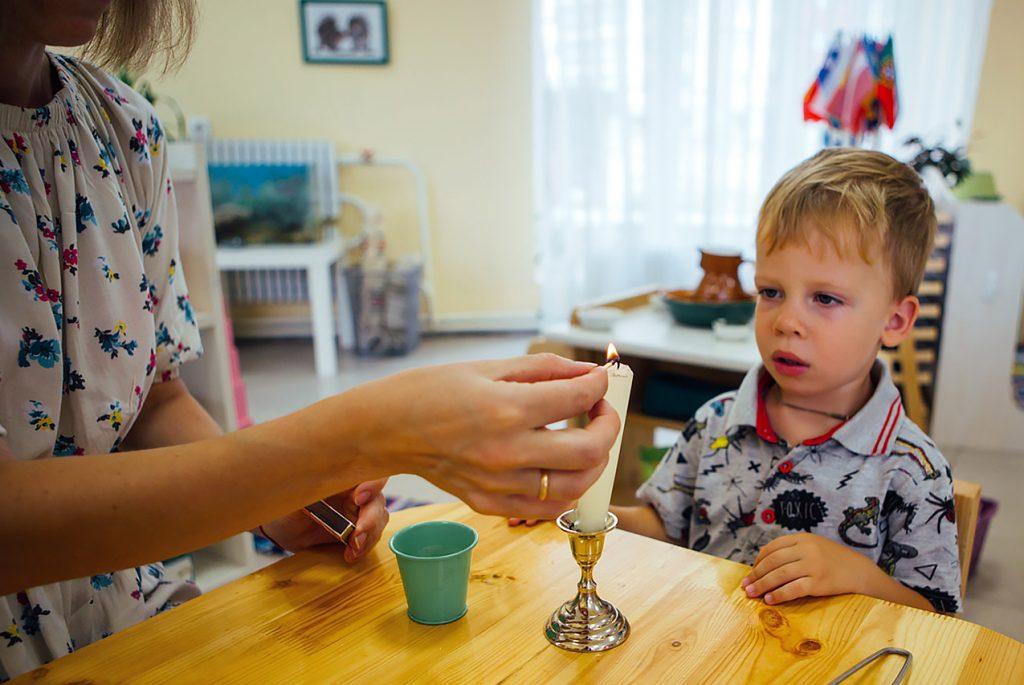 Спички детям игрушка: зачем учить ребёнка зажигатьсвечу
