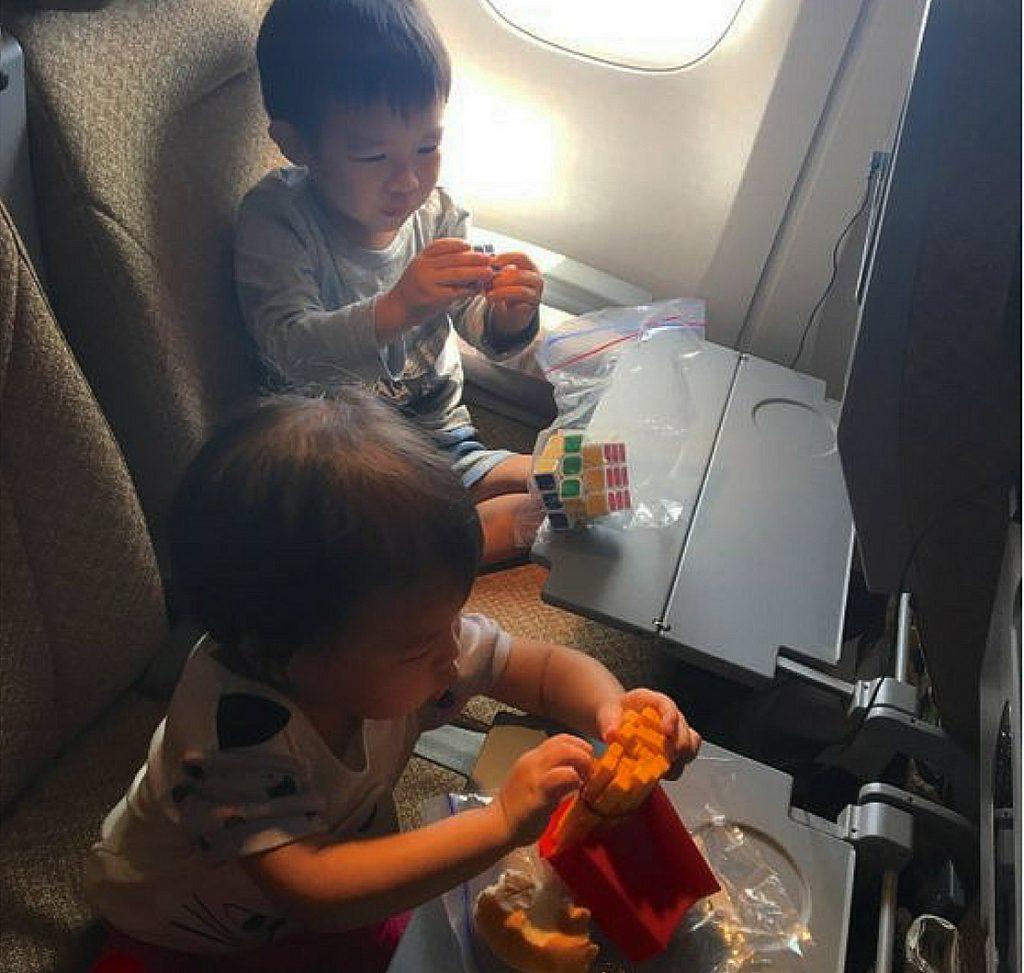 Дети-в-самолете