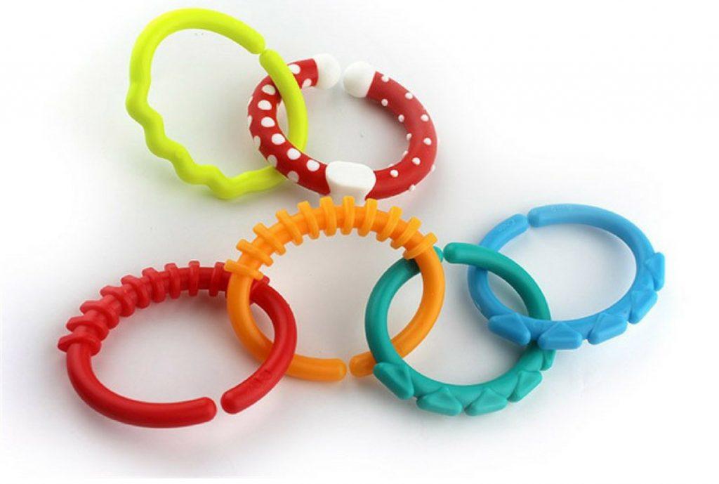 Пластиковые кольца ребёнку в дорогу