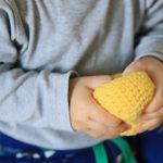Монтессори в сумке: чем занять ребёнка до трёх лет в дороге