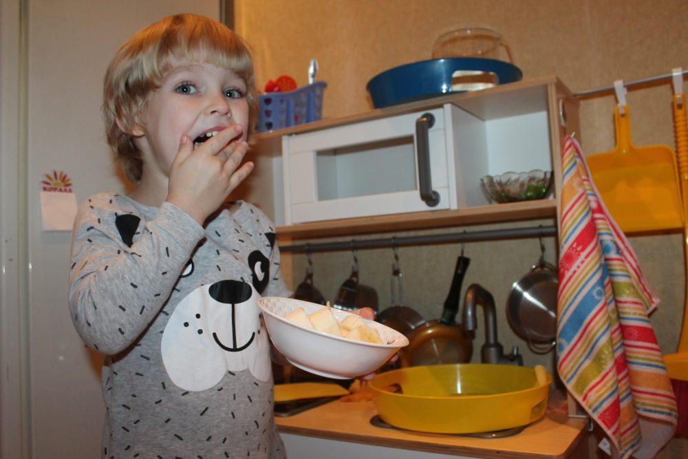 Montessori-rebyonok15