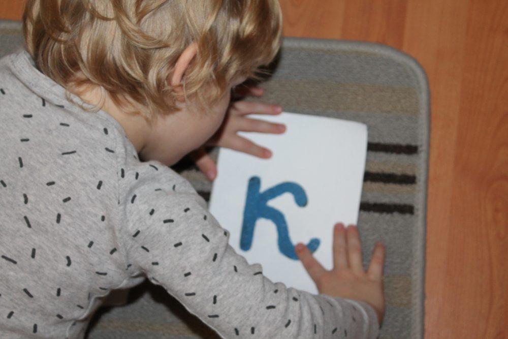 Montessori-rebyonok6
