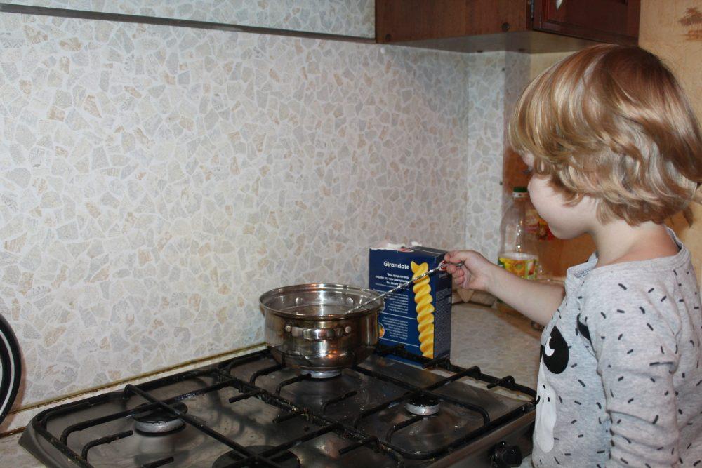Montessori-rebyonok9