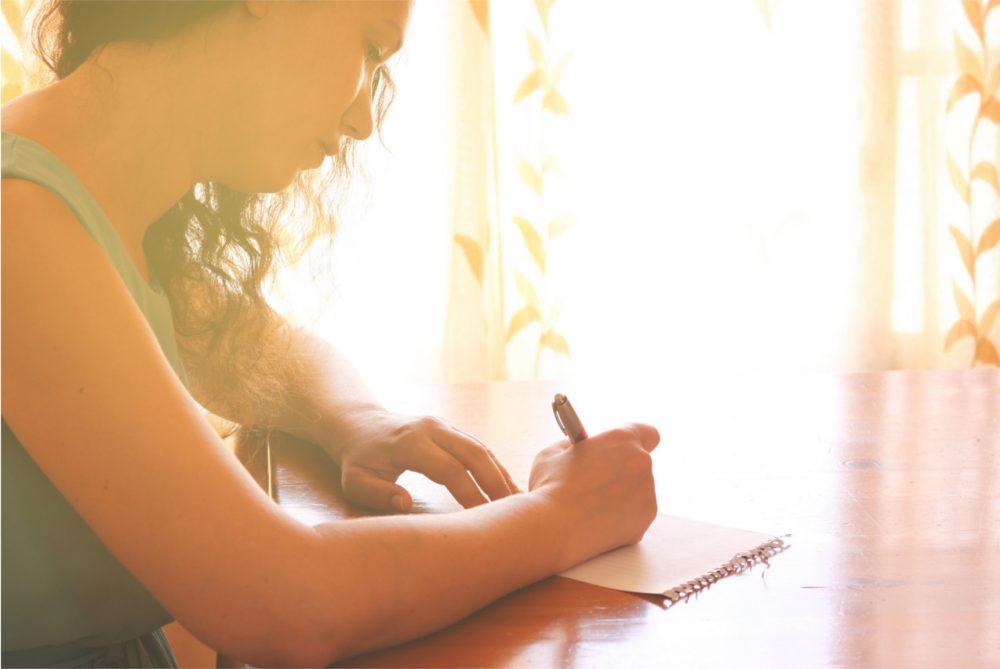 Как перестать срываться наребёнка: польза отведениядневника