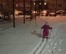 дочь на лыжах