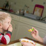 Что делать, если ребёнок подавился и теперь отказывается от еды