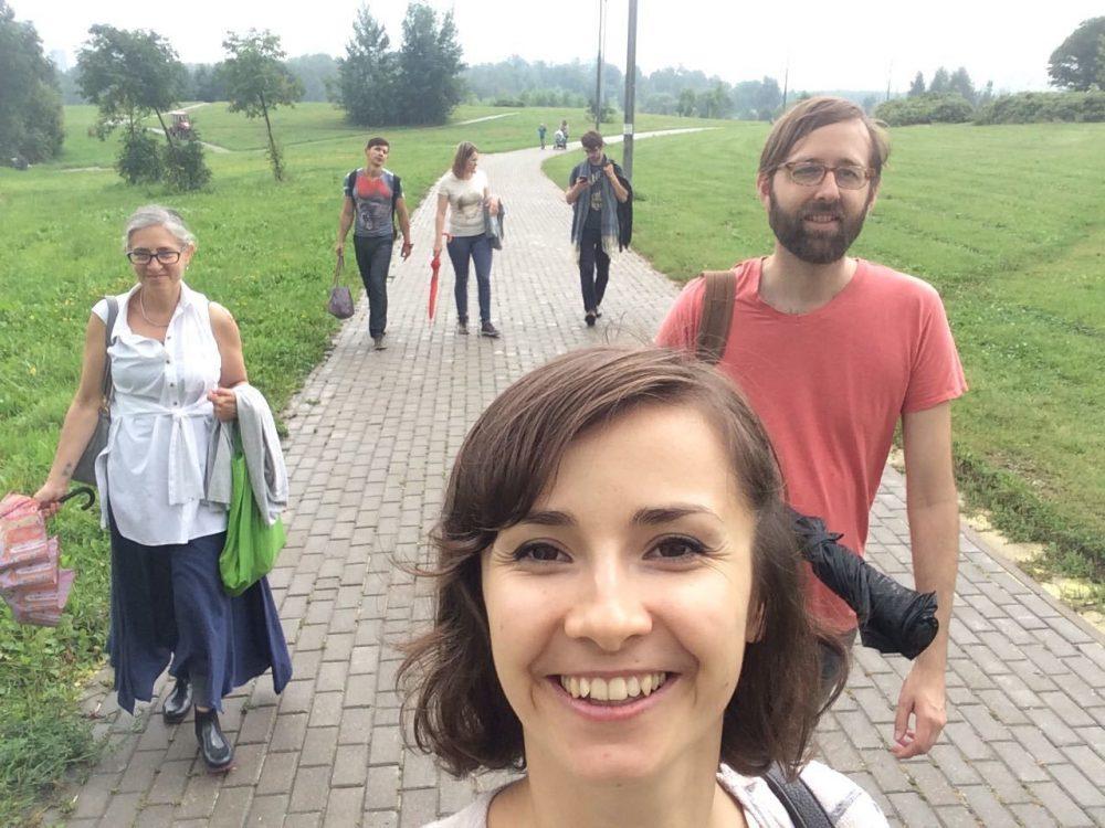 На прогулке с Монтессори-педагогами