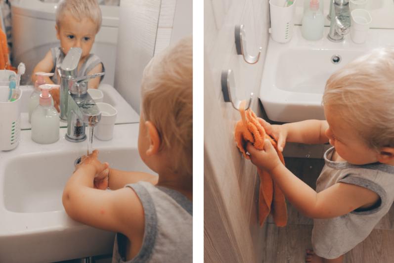 ребёнок моет и вытирает руки
