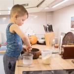 Готовим с ребёнком блинчики: пошаговое руководство